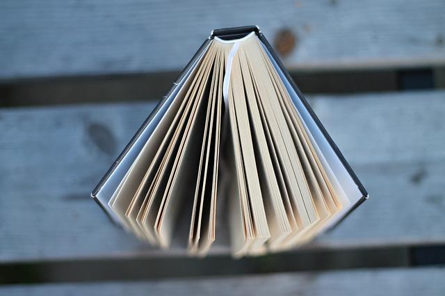vršek knihy