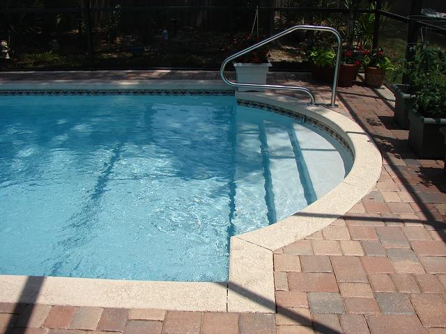 vlastní bazén