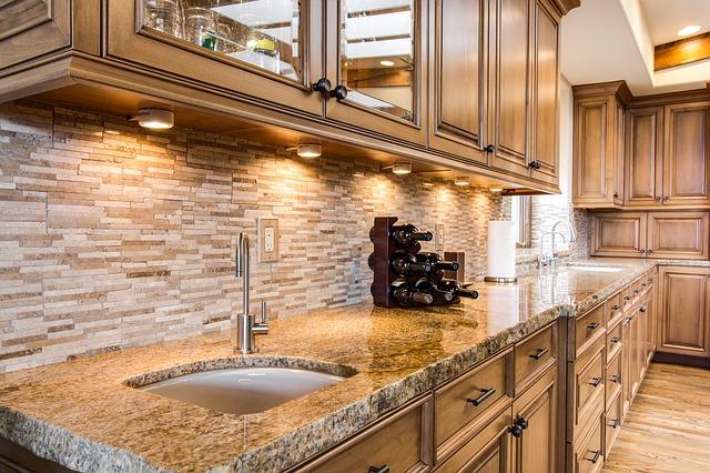 Kuchyně v kamenném stylu